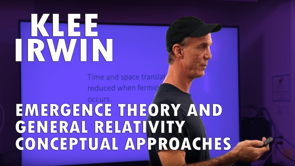 Emergence Theory and General Relativity: Conceptual Approaches
